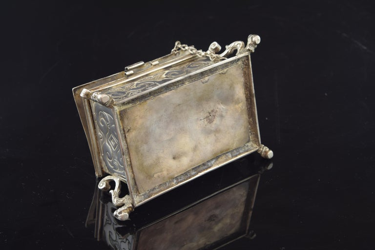 Silver Small Chest for the Holy Oil, 17th Century In Fair Condition For Sale In Madrid, ES