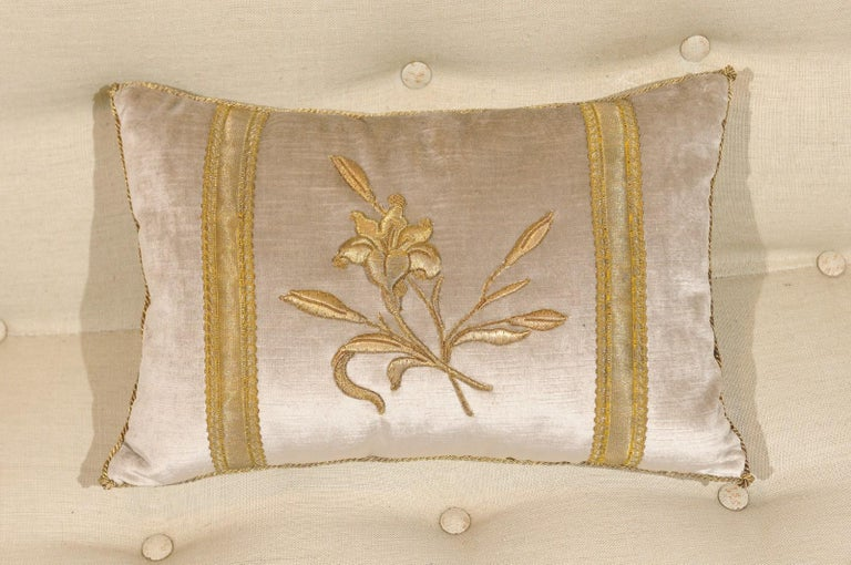 Silver Velvet Pillow with Raised Gold Metallic Embroidery of a Lily Flower For Sale 2