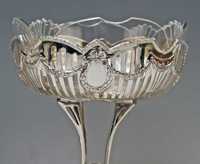 Silver Vienna Pair of Fruitbowls Centrepieces Art Nouveau by Ferdinand Vogl 1914 2