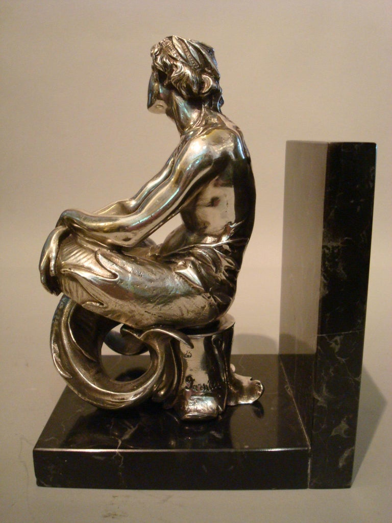 Silvered Bronze Bookends Sculptures of a Mermaid and Merman, France, 1900 In Good Condition For Sale In Buenos Aires, Olivos