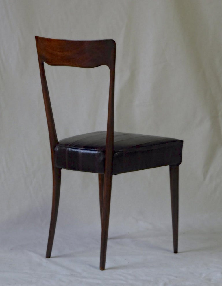 Silvio Cavatorta Four Dining Chairs, Fully Restored, Mahogany and Snake Leather For Sale 4