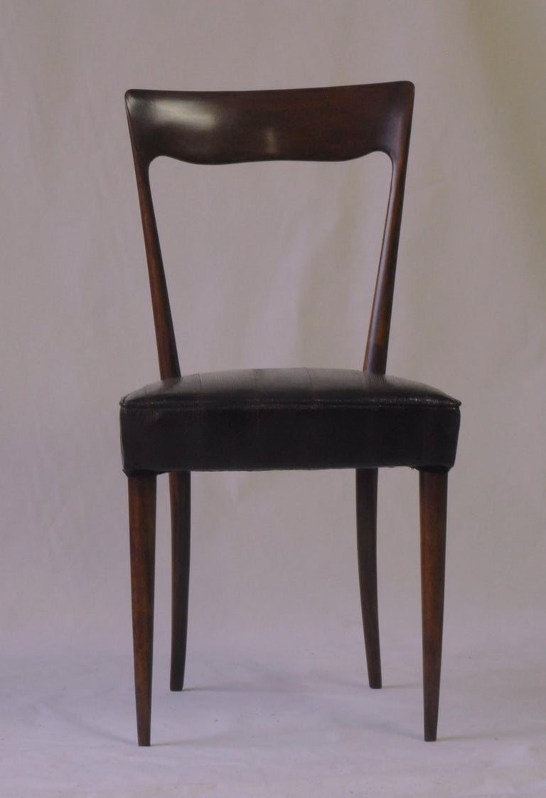 Silvio Cavatorta Four Dining Chairs, Fully Restored, Mahogany and Snake Leather For Sale 5