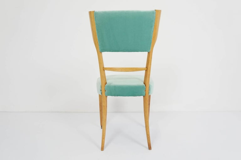 Silvio Cavatorta, Italy 1950 Elegant Lemon Wood Celadon Velvet Chair In Good Condition For Sale In Chiasso, CH