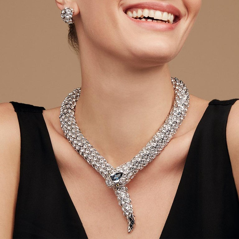 The Simon Harrison Snake necklace is a jewellery piece once seen, never to be forgotten. A favourite with Linda Fargo, Director of Women's Fashion at New York's Bergdorf Goodman, the necklace is fully articulated and can be formed around the neck in