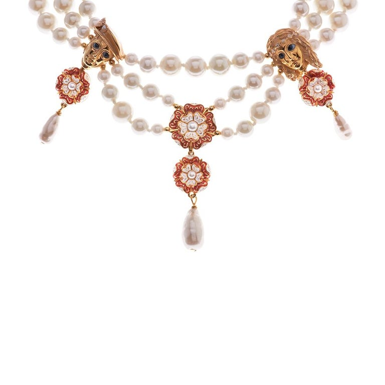Strongly influenced by the craft techniques and jewels of the renaissance together with Shakespeare's ultimate romantic couple. Pearls, a long held symbol of purity and loyalty are intertwined with sculptural details. Art of this period often