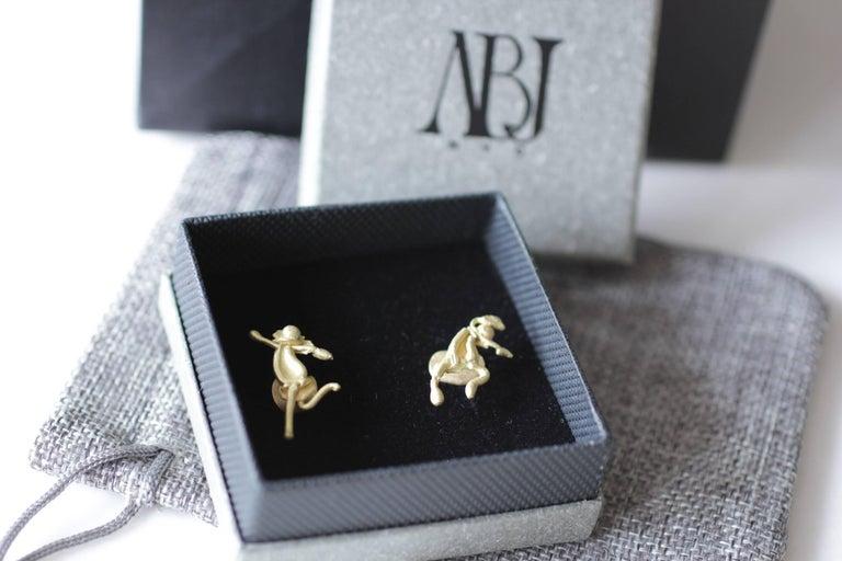 Single 18 Karat Gold Stud Figurine Earring Minimalist Dynamic Modern Sculpture For Sale 13