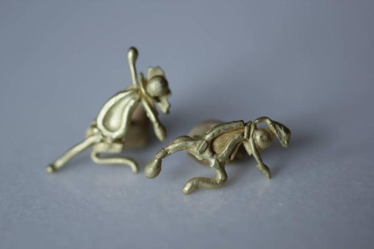 Women's Single 18 Karat Gold Stud Figurine Earring Minimalist Dynamic Modern Sculpture For Sale
