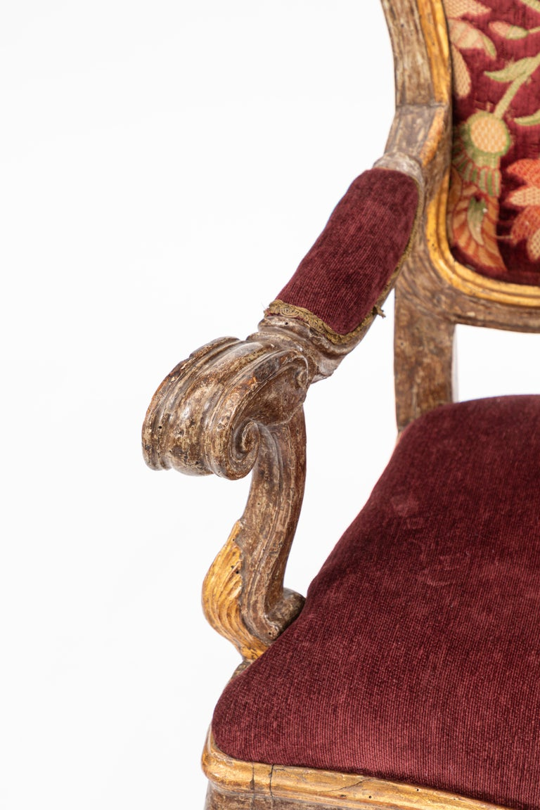 Hand-Carved Single 18th Century Italian Giltwood Armchair For Sale
