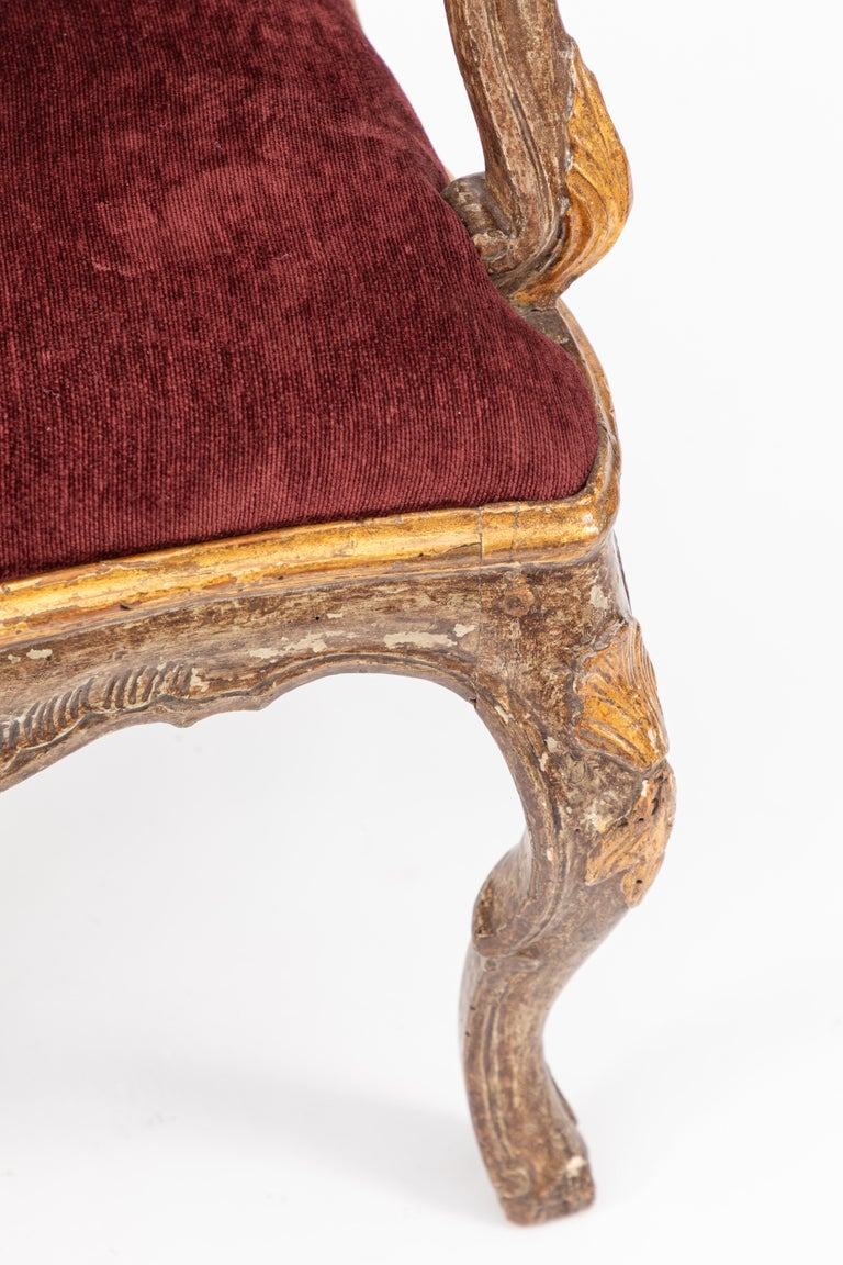 Single 18th Century Italian Giltwood Armchair In Good Condition For Sale In Los Angeles, CA