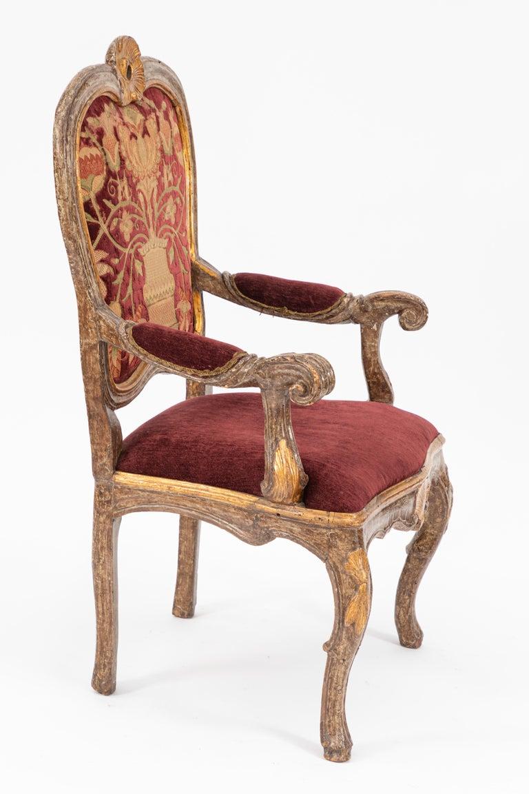 Single 18th Century Italian Giltwood Armchair For Sale 1