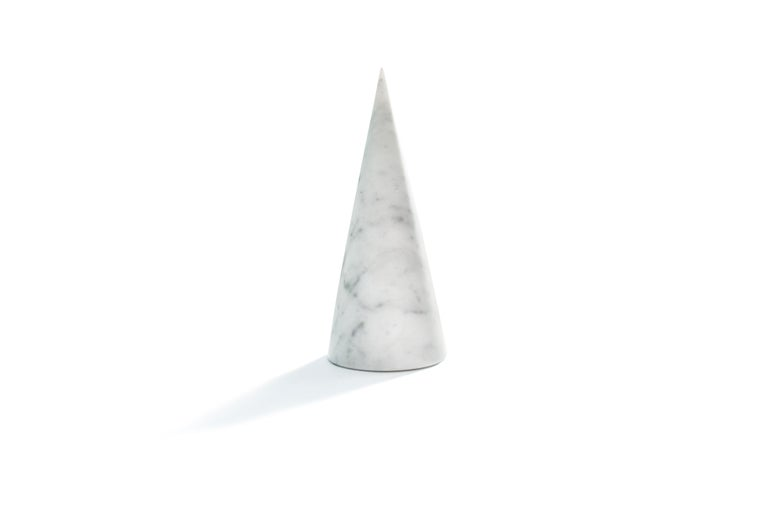 Single Big Bookend in White Carrara Marble with Triangular Shape For Sale 1