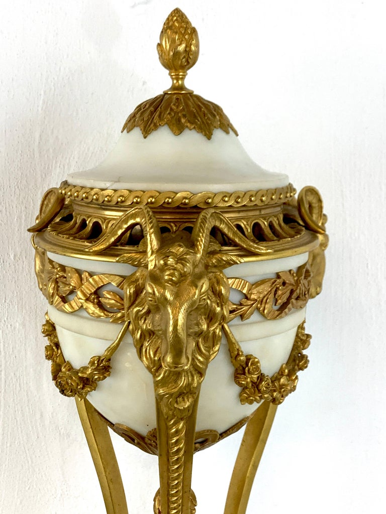 Single Louis XVI Style Ormolu and Marble Neoclassical Cassolette/Urn For Sale 2