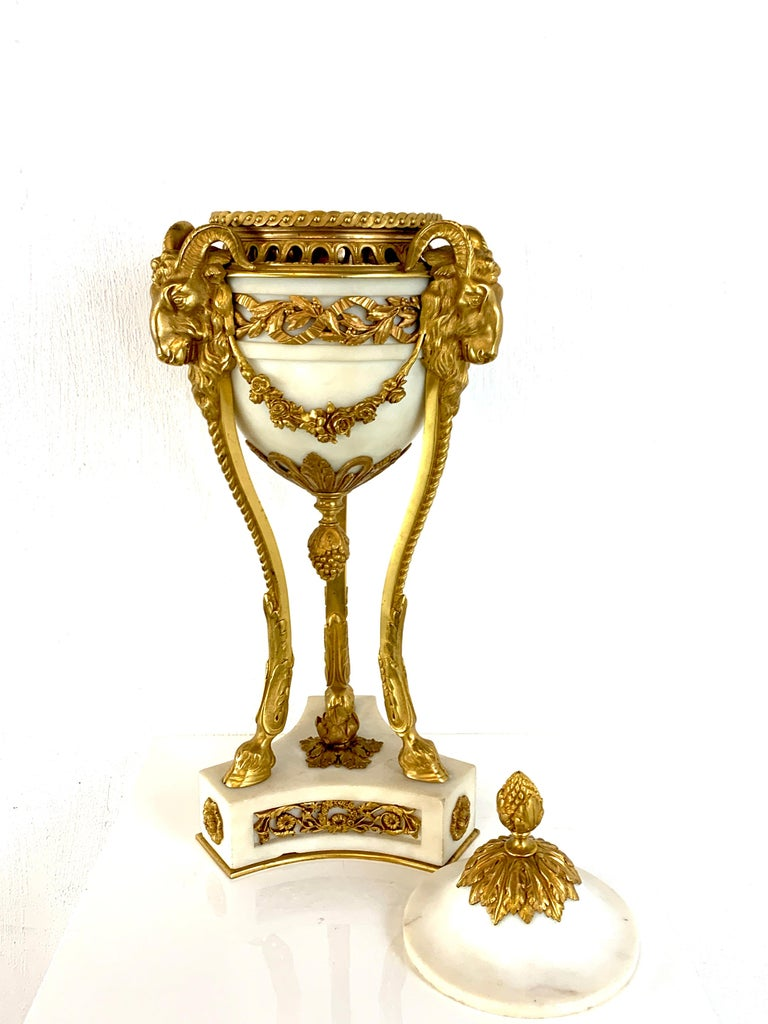 Single Louis XVI Style Ormolu and Marble Neoclassical Cassolette/Urn For Sale 4