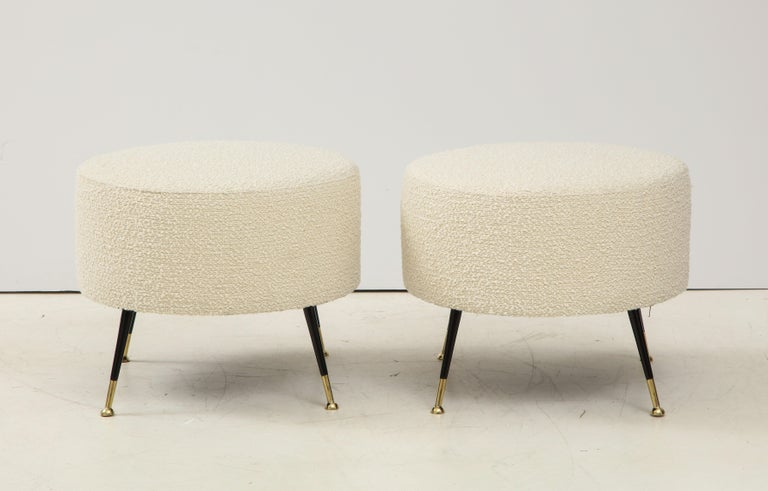 Mid-Century Modern Single Round Stool or Pouf in Ivory Boucle Brass Legs, Italy, 2021 For Sale