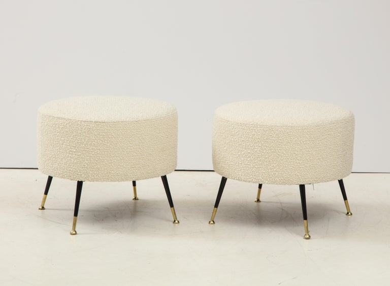 Single Round Stool or Pouf in Ivory Boucle Brass Legs, Italy, 2021 In New Condition For Sale In New York, NY