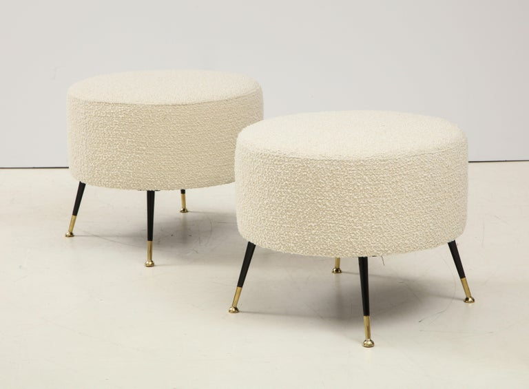 Contemporary Single Round Stool or Pouf in Ivory Boucle Brass Legs, Italy, 2021 For Sale