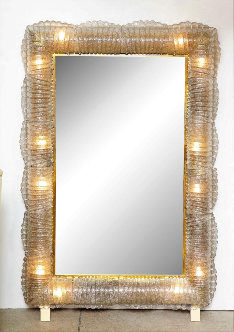 Single Textured Light Smoke Taupe Murano Glass and Brass Mirror, Lighted, Italy For Sale 1