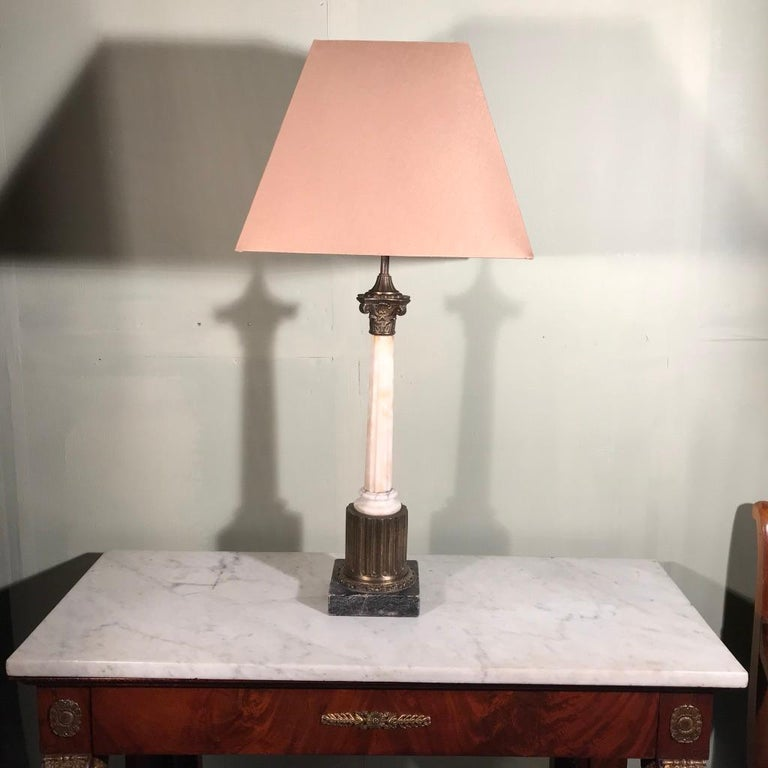 Hollywood Regency Single Vintage Corinthian Column Lamp in Marble and Brass For Sale