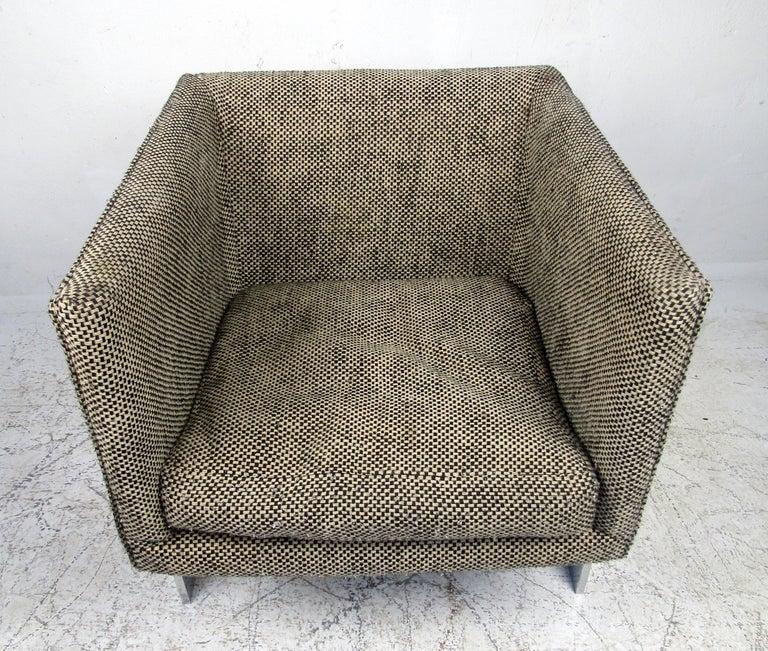Mid-Century Modern Single Vintage Modern Milo Baughman Chair For Sale