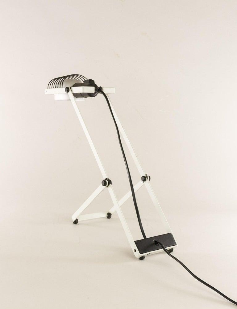 Italian Sintesi Table Lamp in Black and White by Ernesto Gismondi for Artemide, 1970s For Sale