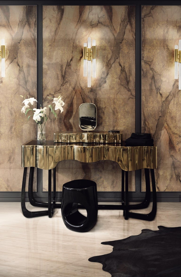 Sinuous Dressing Table with High Gloss Black Lacquered Structure For Sale 1