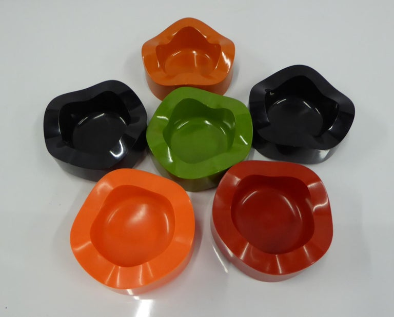 Sinus Stackable Ashtray Group of by Walter Zeischegg for Helit of Germany, 1966 In Good Condition For Sale In Miami, FL