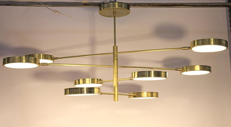 Sistema, Brass 8 Rotating Orbitale Arms Chandelier, Featured for Dining Table For Sale 2