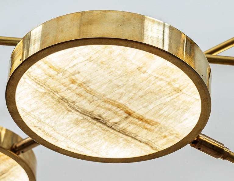 Sistema Solare, Luxury Ivory Onyx and Brass 8 Rotating Orbitale Arms Chandelier For Sale 3