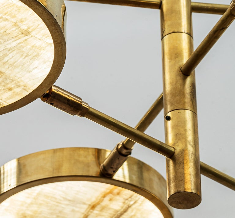 Sistema Solare, Luxury Ivory Onyx and Brass 8 Rotating Orbitale Arms Chandelier For Sale 4