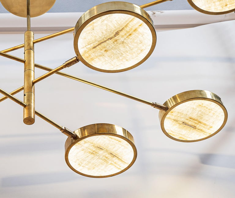 Sistema Solare, Luxury Ivory Onyx and Brass 8 Rotating Orbitale Arms Chandelier For Sale 5