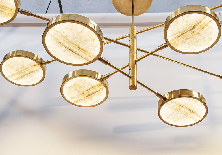 Sistema Solare, Luxury Ivory Onyx and Brass 8 Rotating Orbitale Arms Chandelier For Sale 2