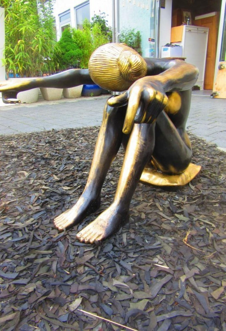 Hand-Crafted Sitting Lady Bronze Figure with Glass Tabletop, 1920s For Sale