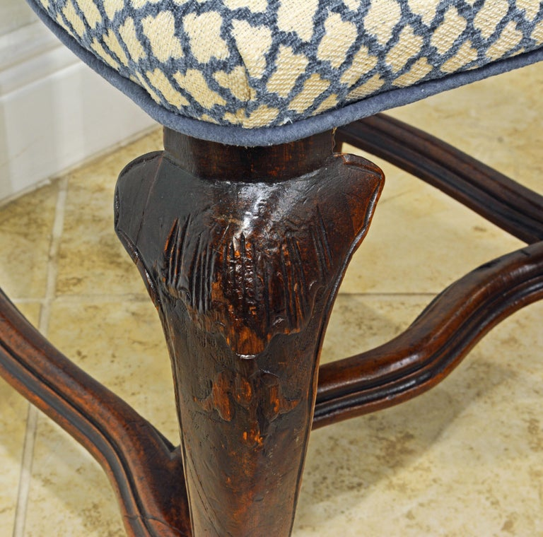 Six 18th Century Italian Provincial Louis XV Style Carved Walnut Dining Chairs For Sale 5