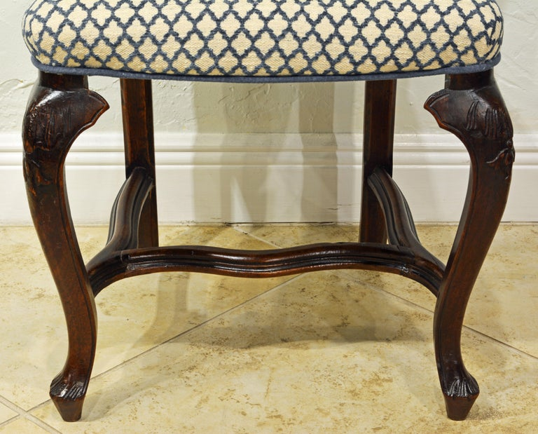 Six 18th Century Italian Provincial Louis XV Style Carved Walnut Dining Chairs For Sale 3