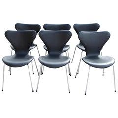 Six Arne Jacobsen chairs by Fritz Hansen, Black Leather, Model 3107