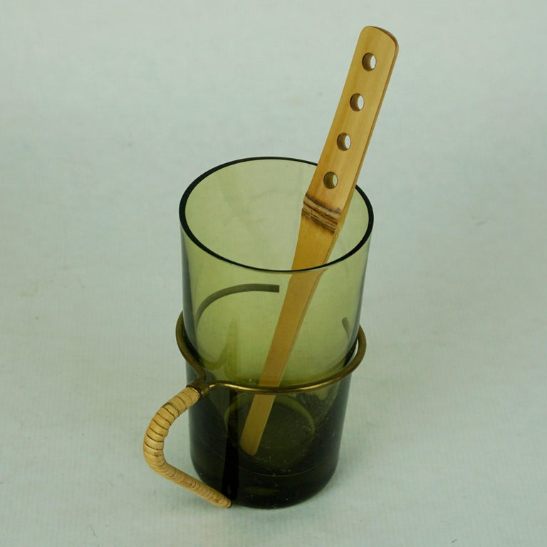 Six Austrian Midcentury green Glasses with Bamboo Stirrers by Carl Auböck For Sale 1