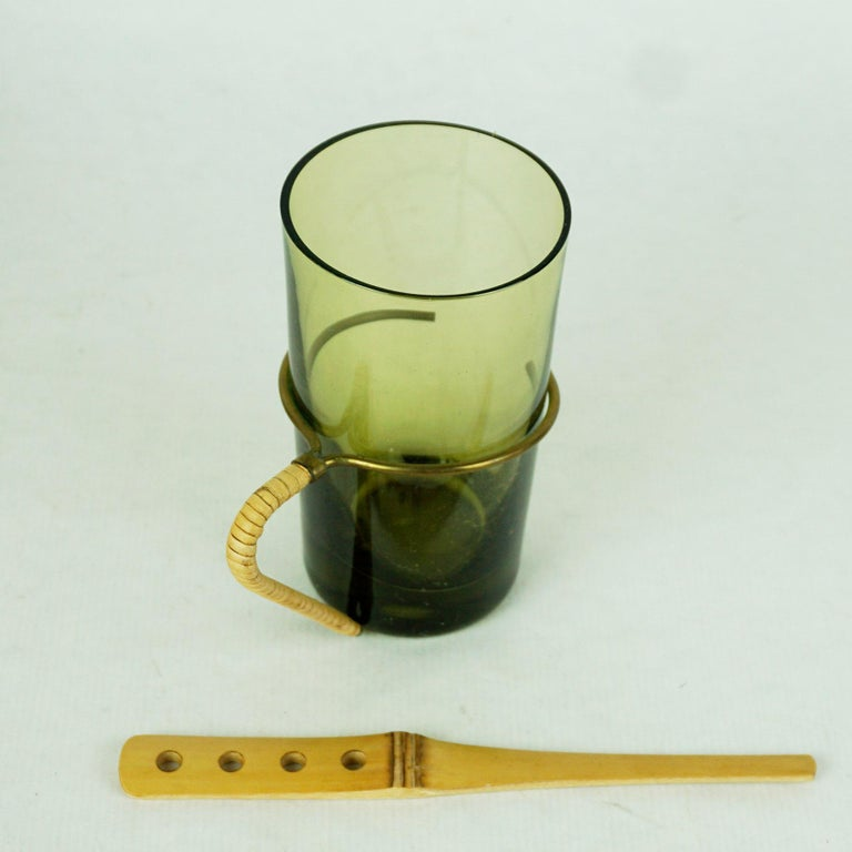 Six Austrian Midcentury green Glasses with Bamboo Stirrers by Carl Auböck For Sale 2