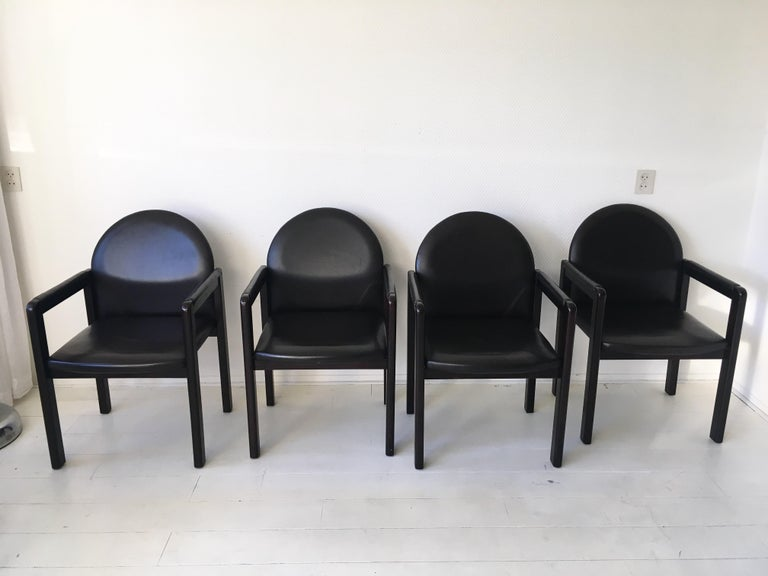Six Black Leather and Wood Armchairs by Bulo In Good Condition For Sale In Schagen, NL