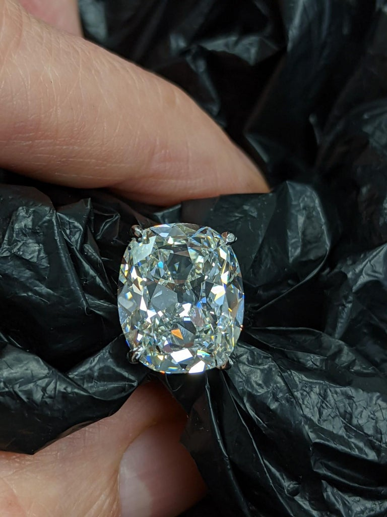6 Carat Antique Cut Cushion Diamond H, VVS2 GIA, for Custom Mounting For Sale 1