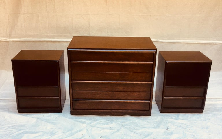 T.H. Robsjohn-Gibbings for Widdicomb,  1950s Six-drawer dresser. For Sale 2