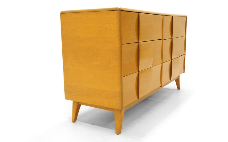 Six-Drawer Sculptura Dresser by Heywood Wakefield, Original Blonde Finish 6