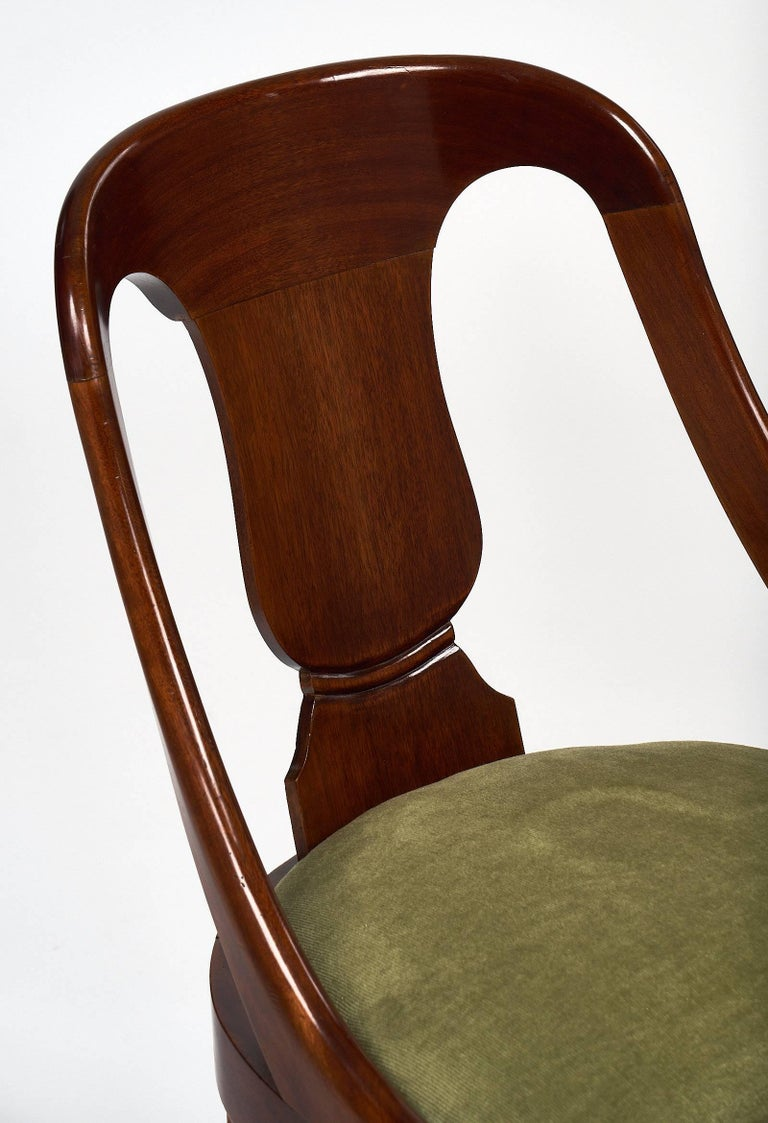 Six Empire Style Gondola Chairs In Excellent Condition For Sale In Austin, TX