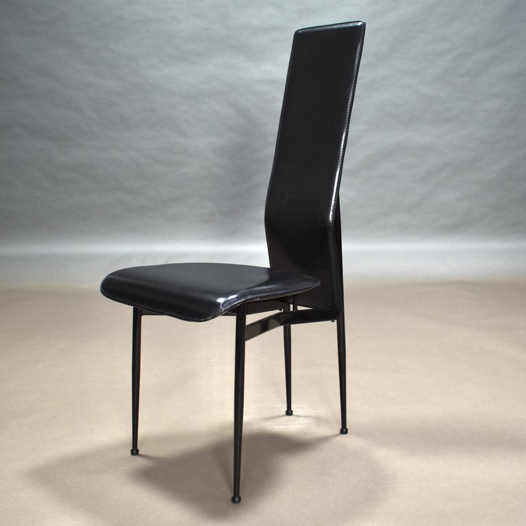 Six Fasem Dining Chairs by Vegni and Gualtierotti in Black Leather, Italy For Sale 3