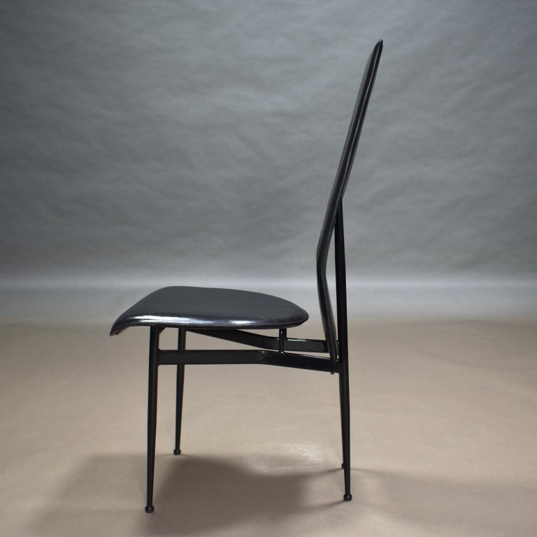 Six Fasem Dining Chairs by Vegni and Gualtierotti in Black Leather, Italy For Sale 4