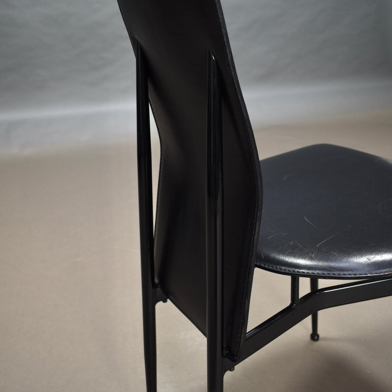 Six Fasem Dining Chairs by Vegni and Gualtierotti in Black Leather, Italy For Sale 7