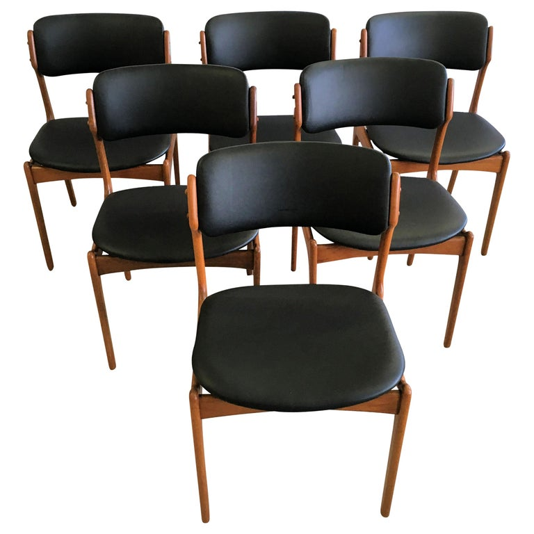 Six Fully Restored Erik Buch Teak Dining Chairs, Reupholstered in Black Leather For Sale