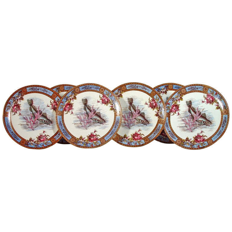 Six Garfield Pottery Earthenware Plates with Fish, Wood & Hulme For Sale