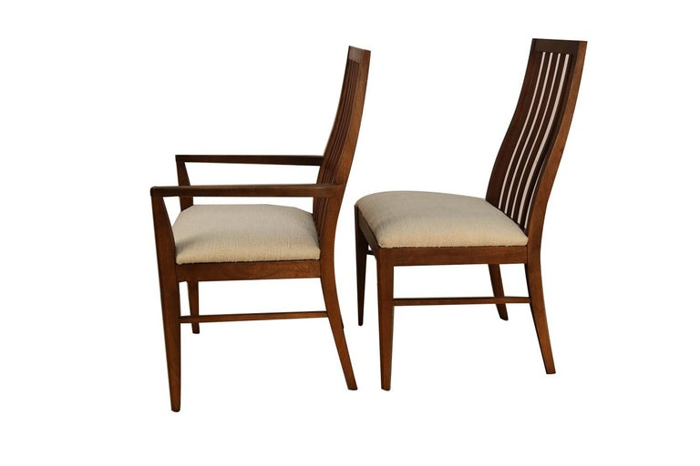 Six Lane First Edition Midcentury Walnut Spindle Back Dining Chairs In Good Condition For Sale In Baltimore, MD