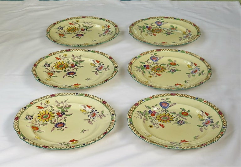 Six Mason's Ironstone Large Dinner Plates Art Nouveau Muscatel Pattern In Good Condition For Sale In Lincoln, Lincolnshire