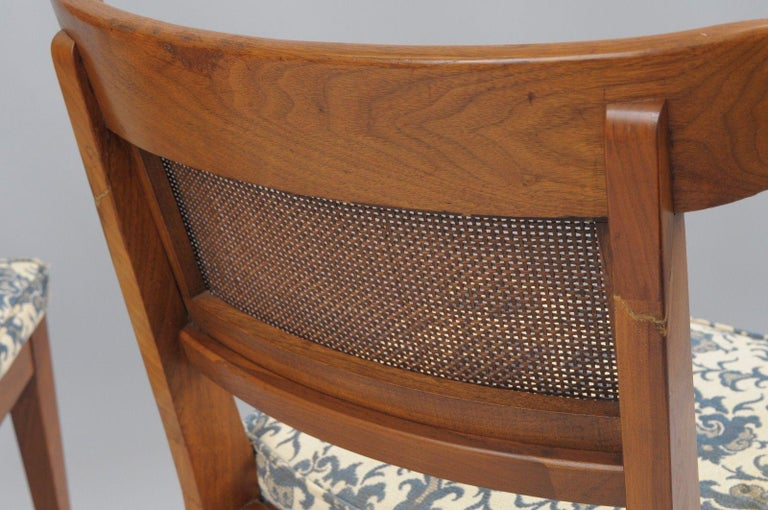 Six Mid-Century Modern Walnut Curved Cane Back Dining Chairs Tomlinson Style In Good Condition For Sale In Philadelphia, PA